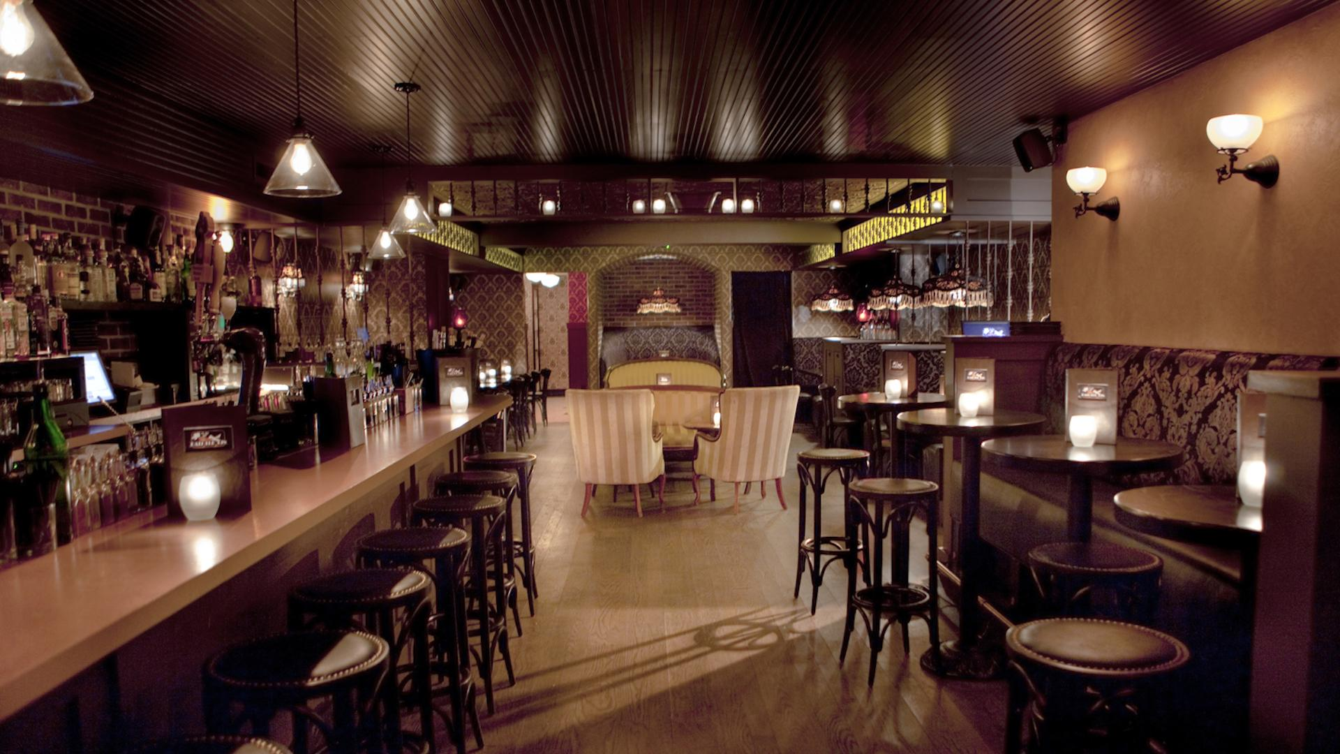 space at Bathtub Gin