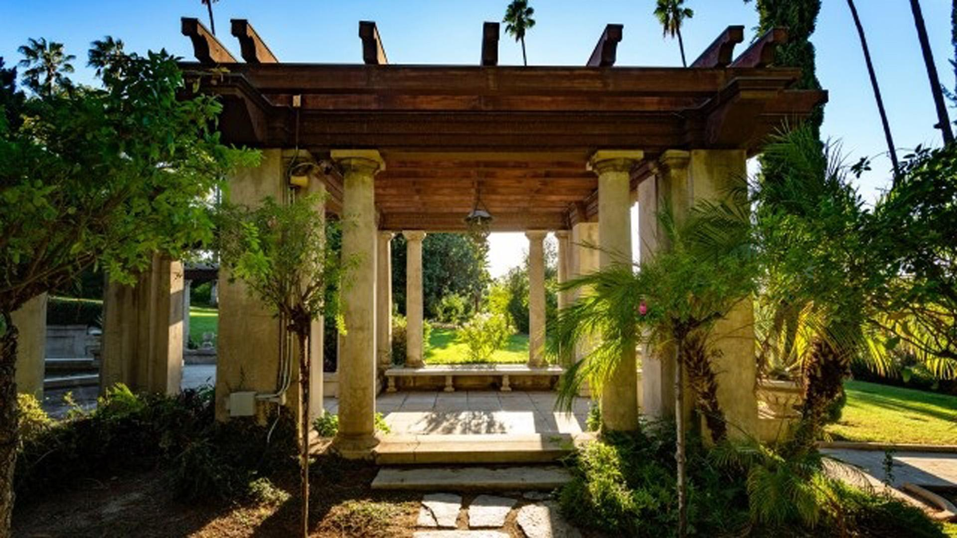 Rent Kimberly Crest House & Gardens | Corporate Events | Wedding ...