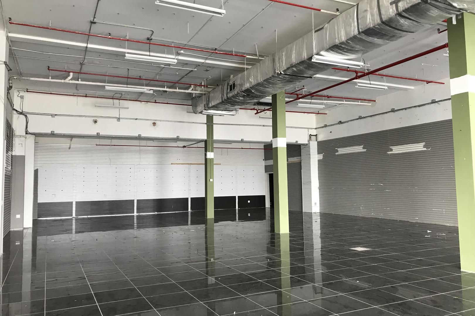 Spacious Storefront Loft in LIC | Corporate Events, Wedding